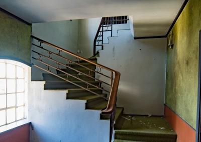 Fuhr. Penthousetrappa i normalt perspektiv.